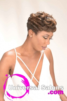 Short Sexy Pixie Cut With Highlights from Dominiique Blount (3)