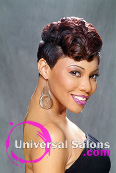 Melissa Green's Cinnamon Roll Short Hairstyle and Hair Color