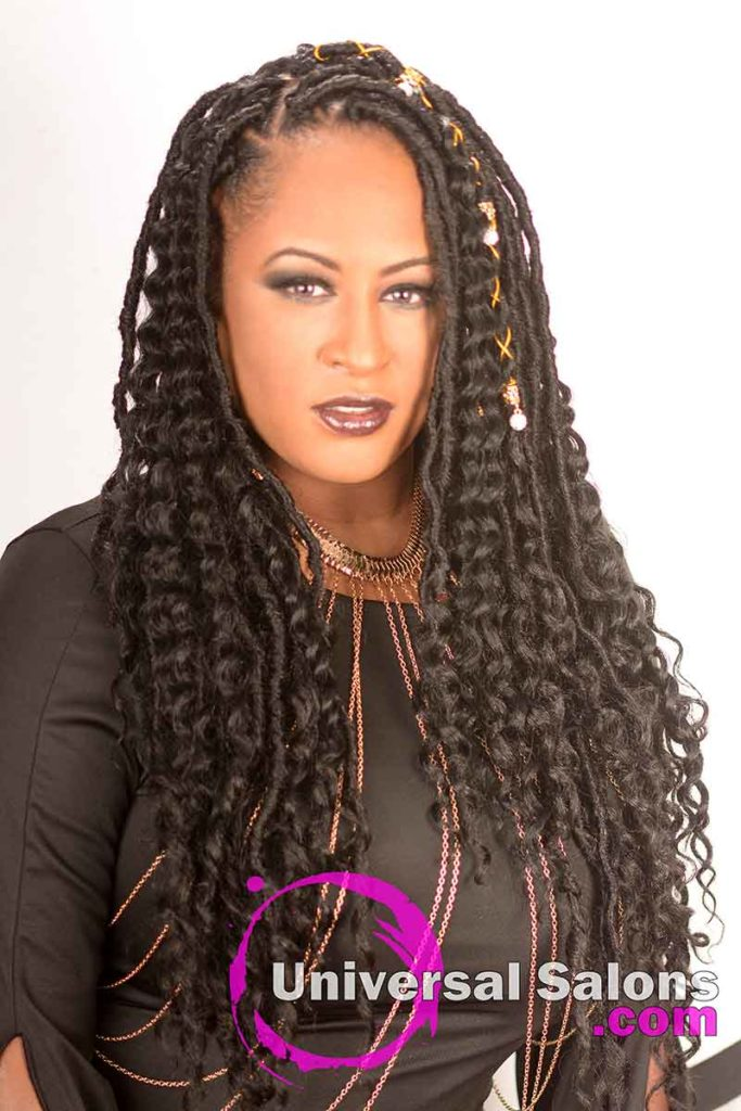 Model With Triangle Partings and Goddess Locs